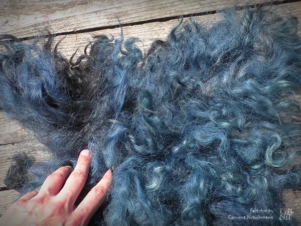 Rohwolle zum Färben blau