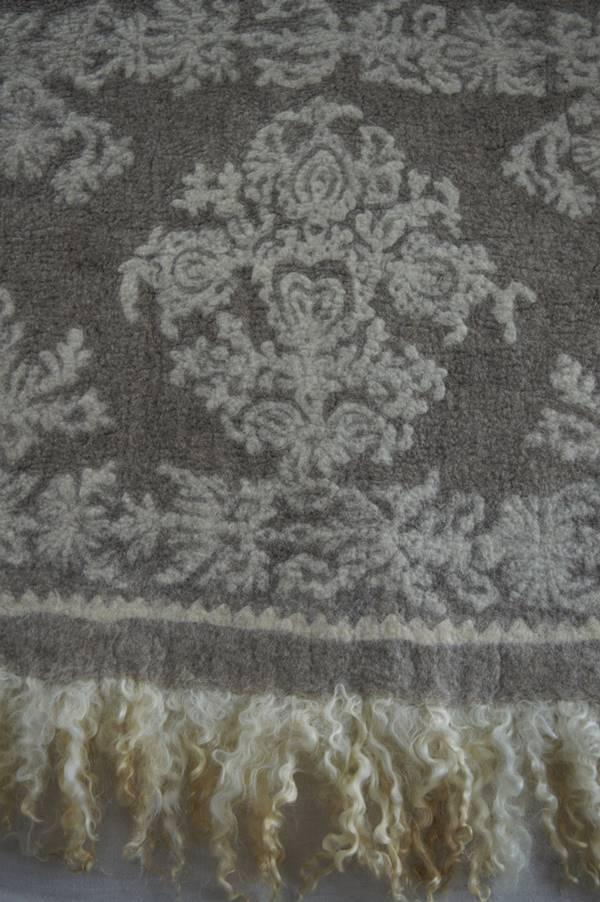 Filzteppich Detail mit Locken